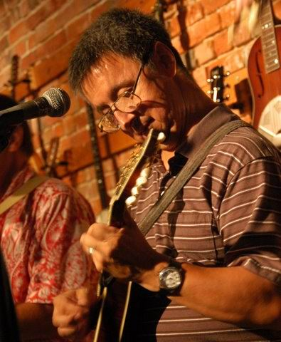 with Jon Chandler at Olde Town Pickin'                           Parlor: Ernie Martinez: Bands, Singers,                           Songwriters / Composers, Solo Performers,                           Sidemen, Instrumentalists, Performers,                           Entertainers, Musicians
