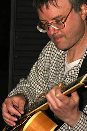 Peter Schwimmer plays jazz guitar